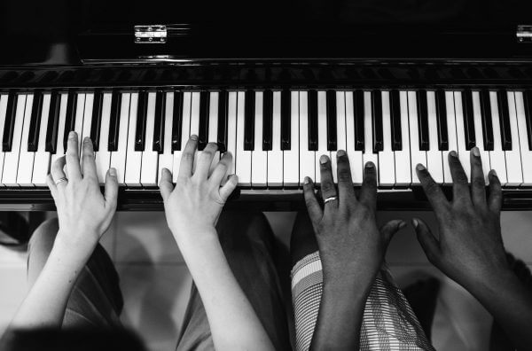 how to teach group piano lessons